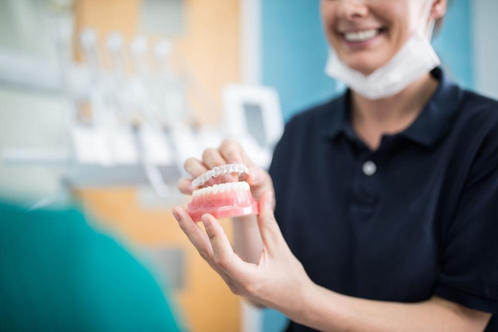 O que é Implantes Dentários