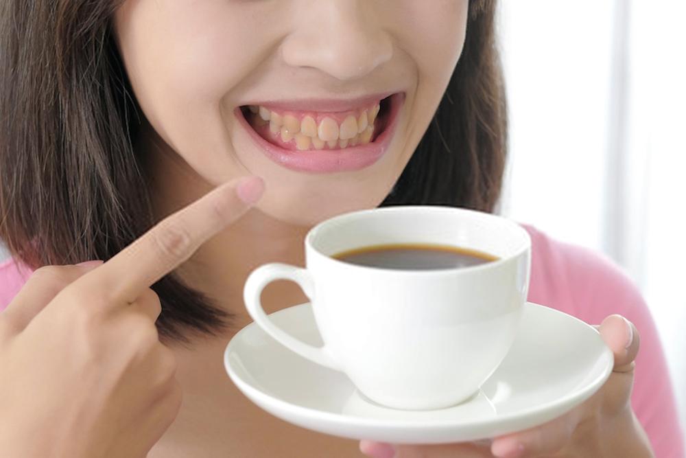 bebidas e alimentos que mancham os dentes